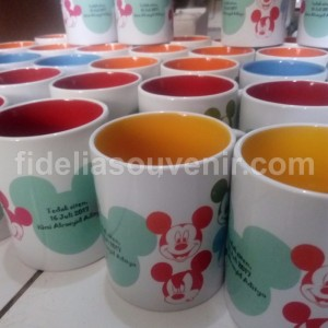Mug Warna Micky Mouse